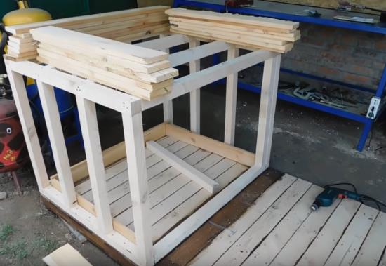 Строим будку своими руками